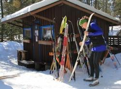 Warm-up hut at Eb's Trails